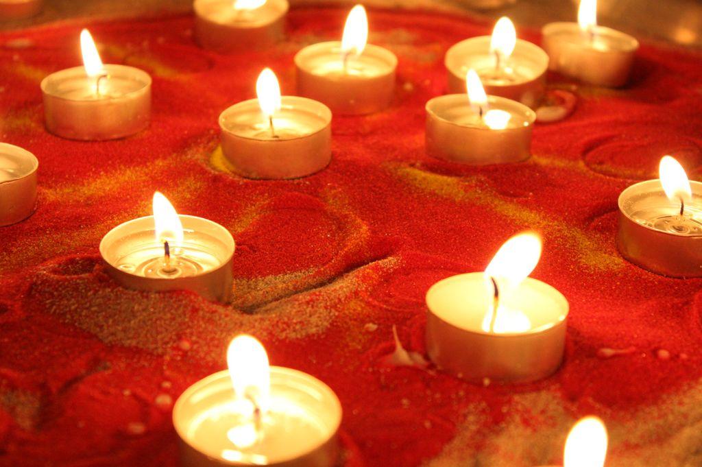 HELSINKI: Kynttilämeditaatio